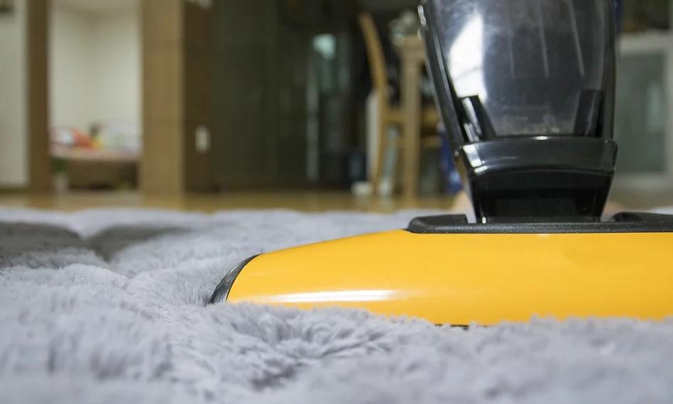 Sprühextraktionsgerät für die Tiefenreinigung von Teppichen